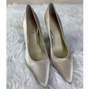 💫Ralph Lauren Satin Pumps.